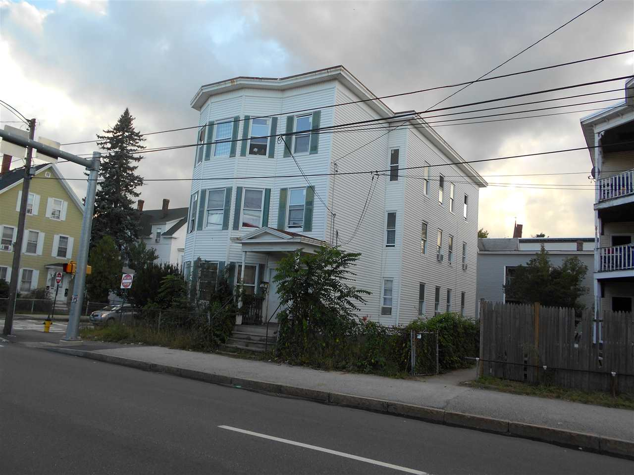 image of Manchester NH  3 Unit Multi Family | sq.ft. 6028