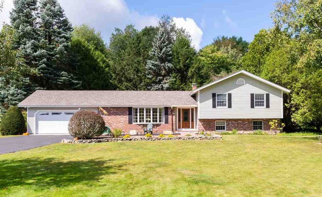 CENTER HARBOR NH  Home for sale $325,000