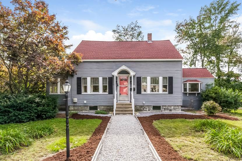 Hudson NHHome for sale $List Price is $265,000