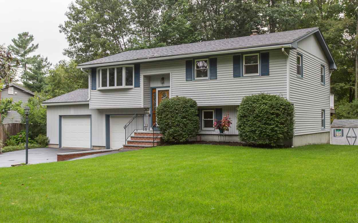 Photo of 32 Colonial Drive Salem NH 03079