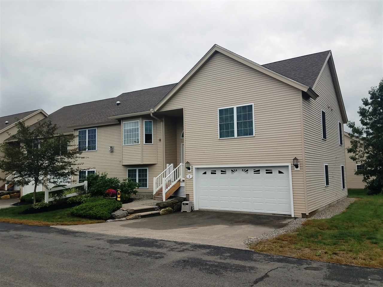Fremont NH Condo for sale $List Price is $309,900