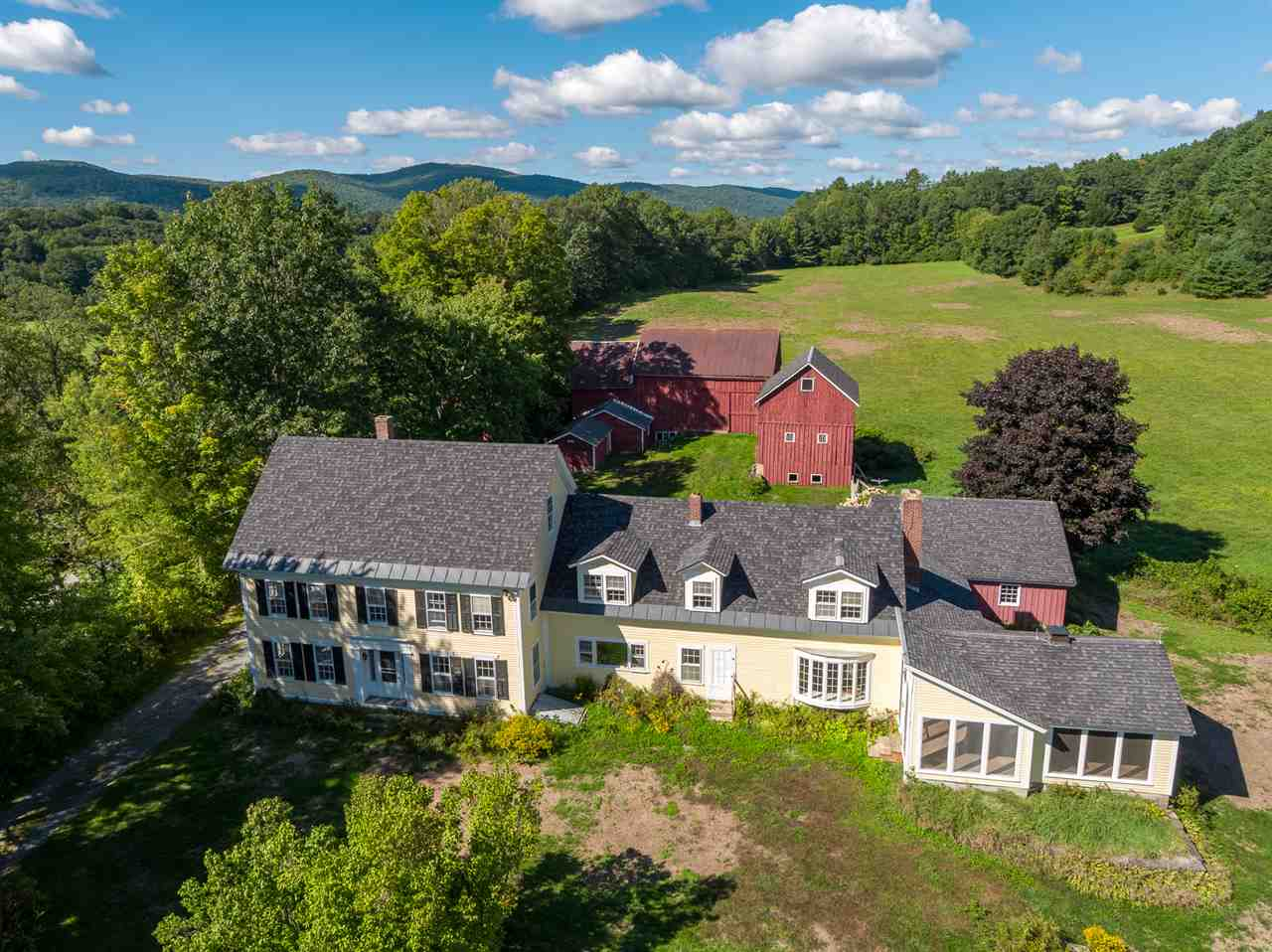 LYME NH Home for sale $$975,000 | $276 per sq.ft.
