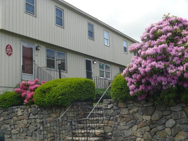 NASHUA NHTownhouse for rent $Townhouse For Lease: $1,700 with Lease Term