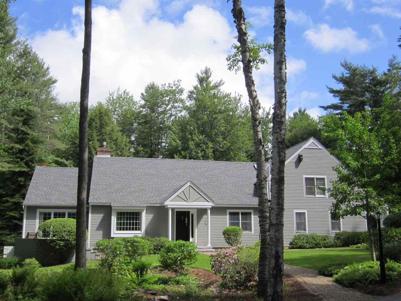 NEW LONDON NH Home for sale $$495,000 | $194 per sq.ft.