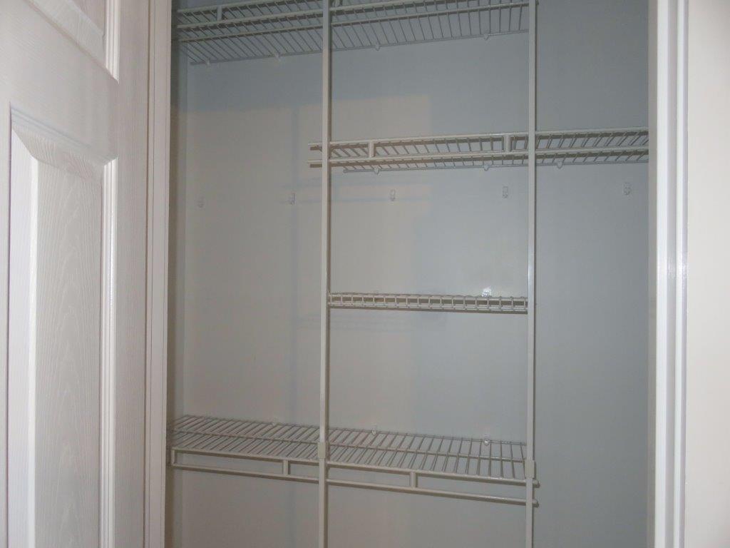 Closets 12731263