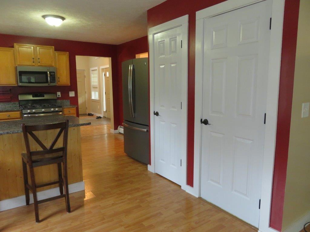 Pantry Closet 12731247