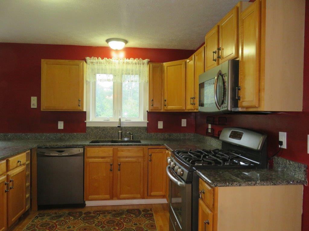 Applianced Kitchen 12731250