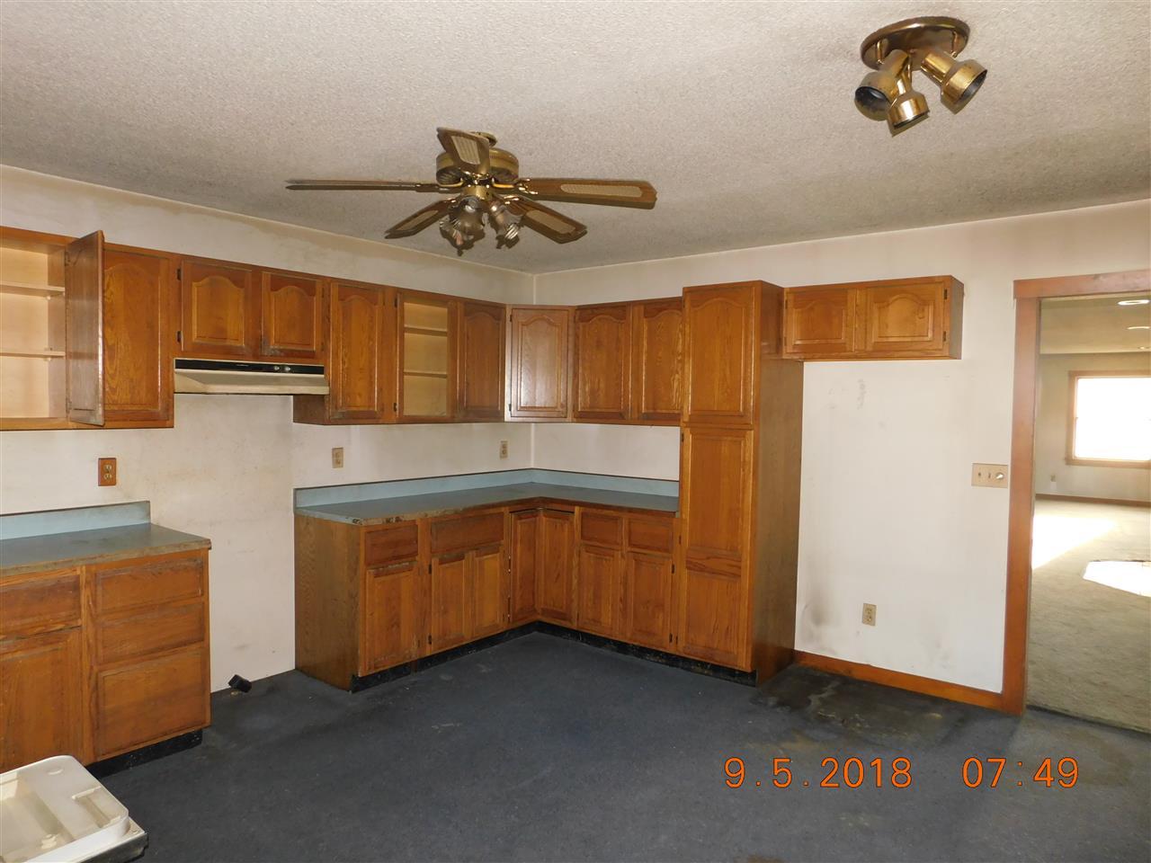 kitchen 12753436