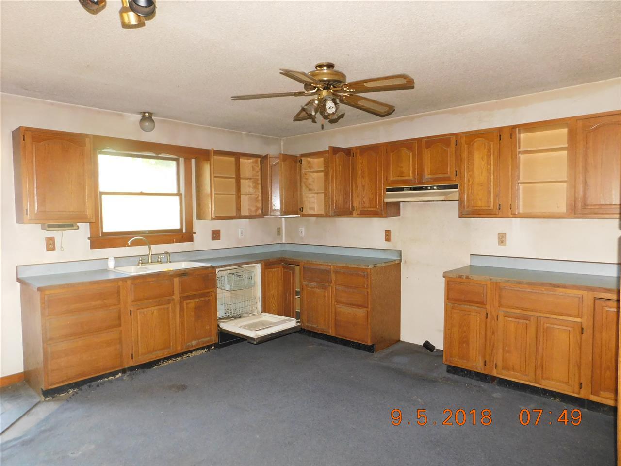 kitchen 12753438