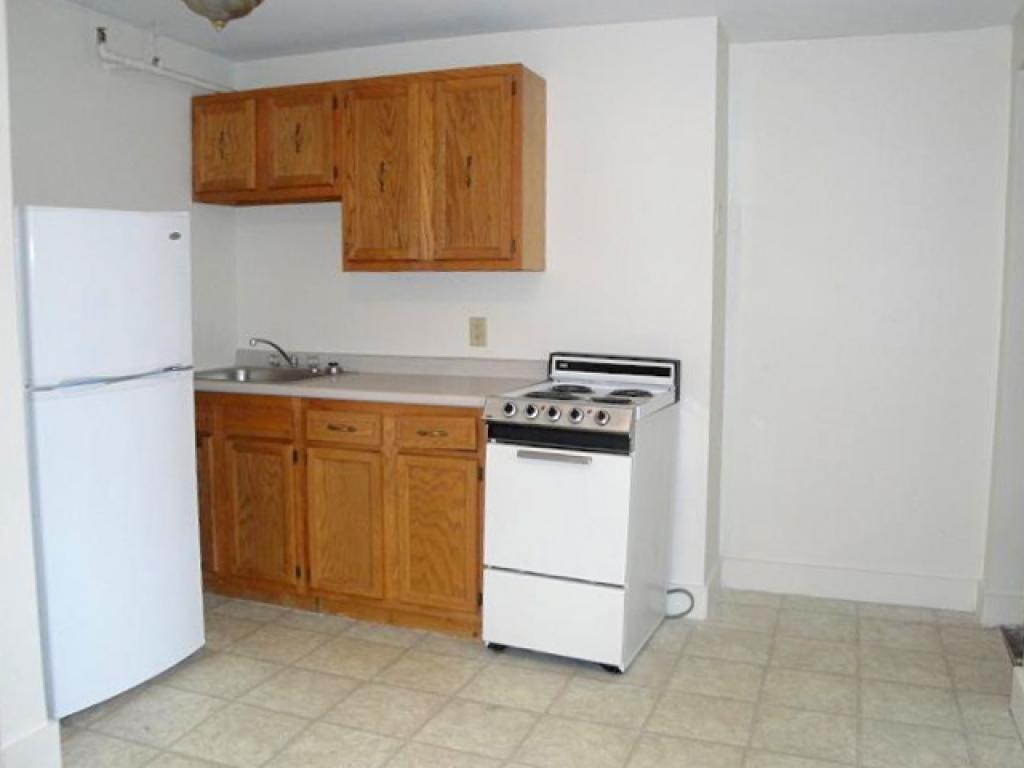 MANCHESTER NH Apartment for rent $Apartment For Lease: $909 with Lease Term