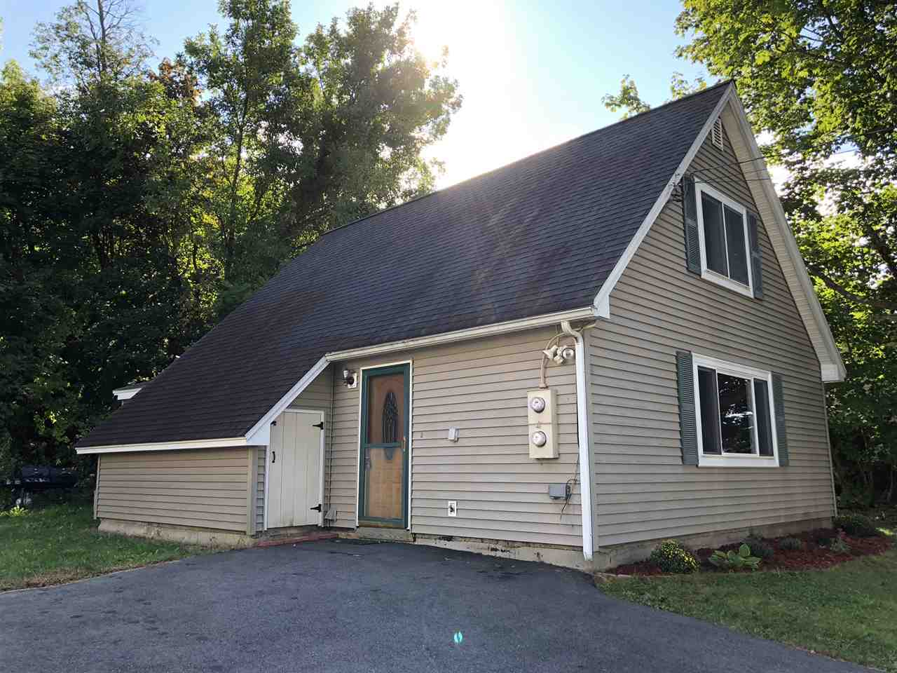 MANCHESTER NH Home for sale $$212,500 | $182 per sq.ft.