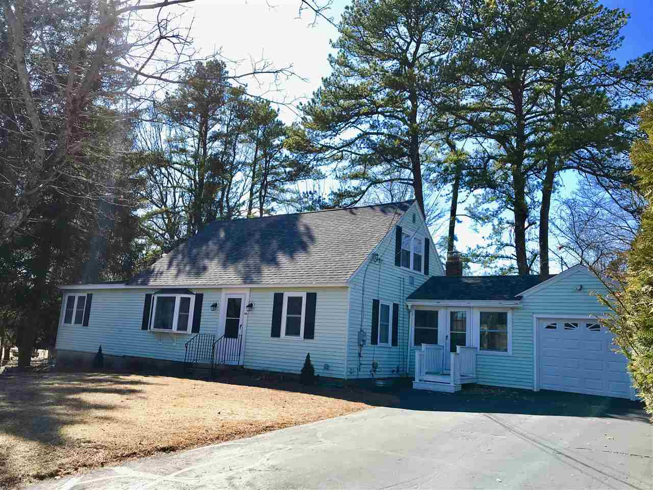 MANCHESTER NH Home for sale $$299,900 | $159 per sq.ft.