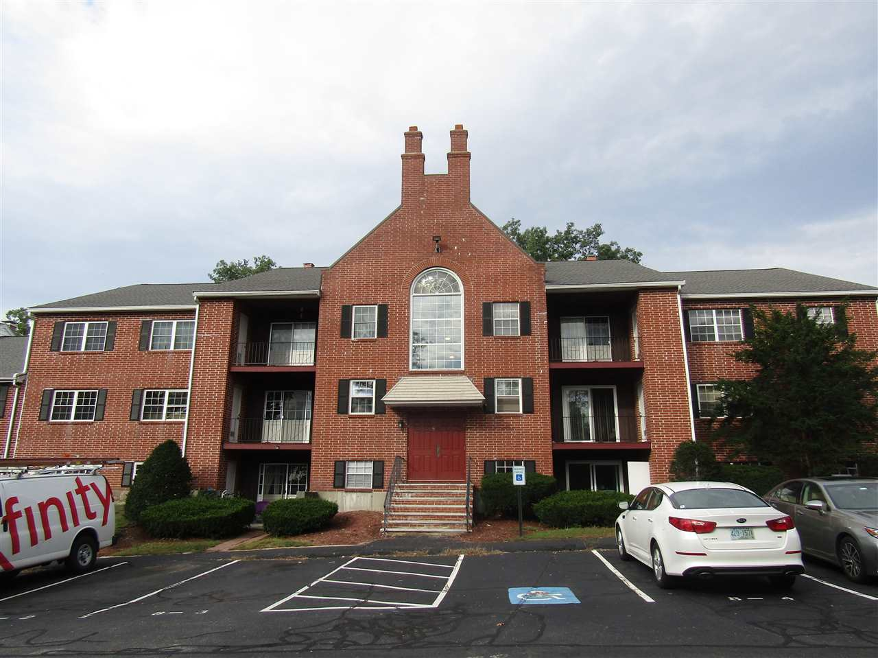 Nashua NH Condo for sale $List Price is $145,900