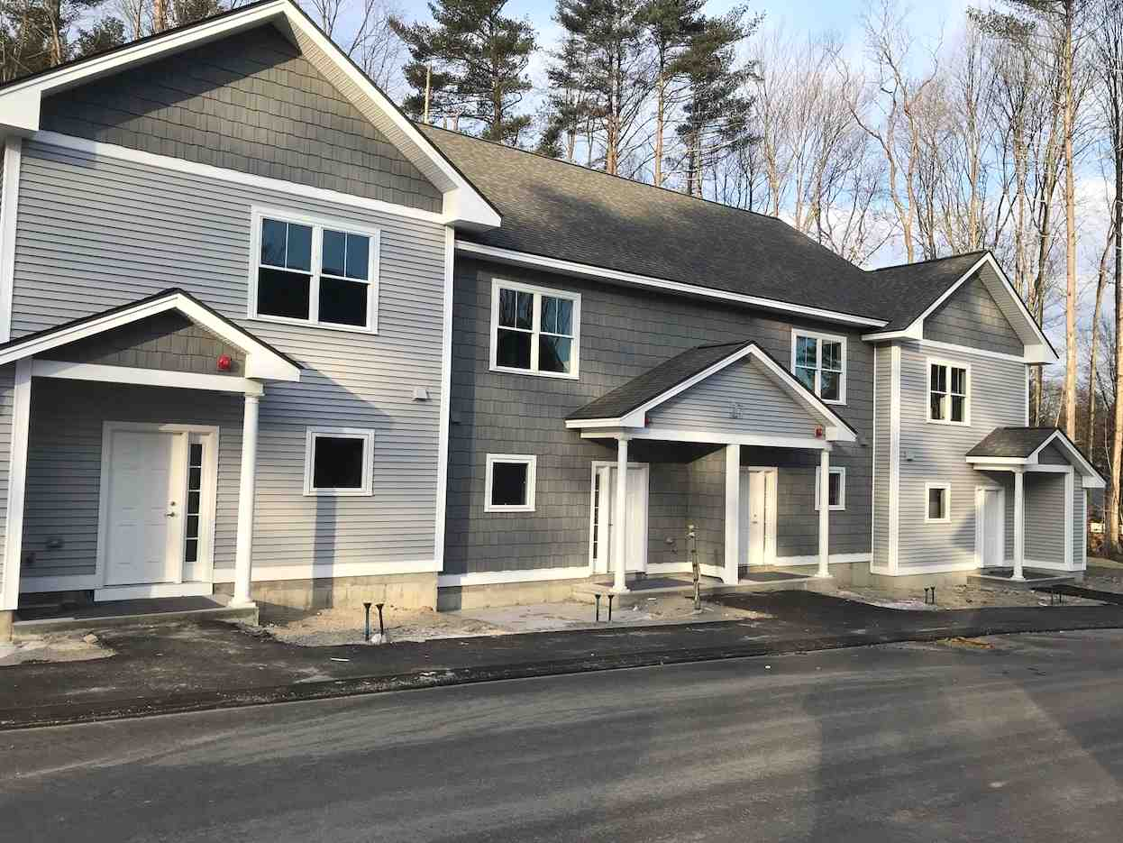 MILFORD NH Townhouse for rent $Townhouse For Lease: $2,199 with Lease Term