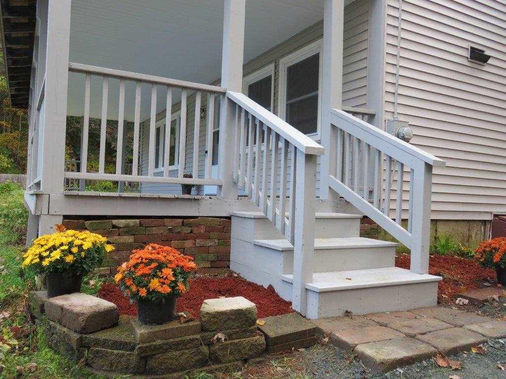 Fantastic Front Porch 12800193