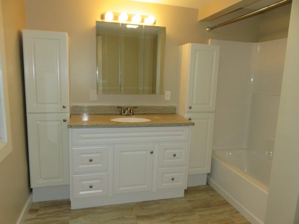 New Bathroom 12800210