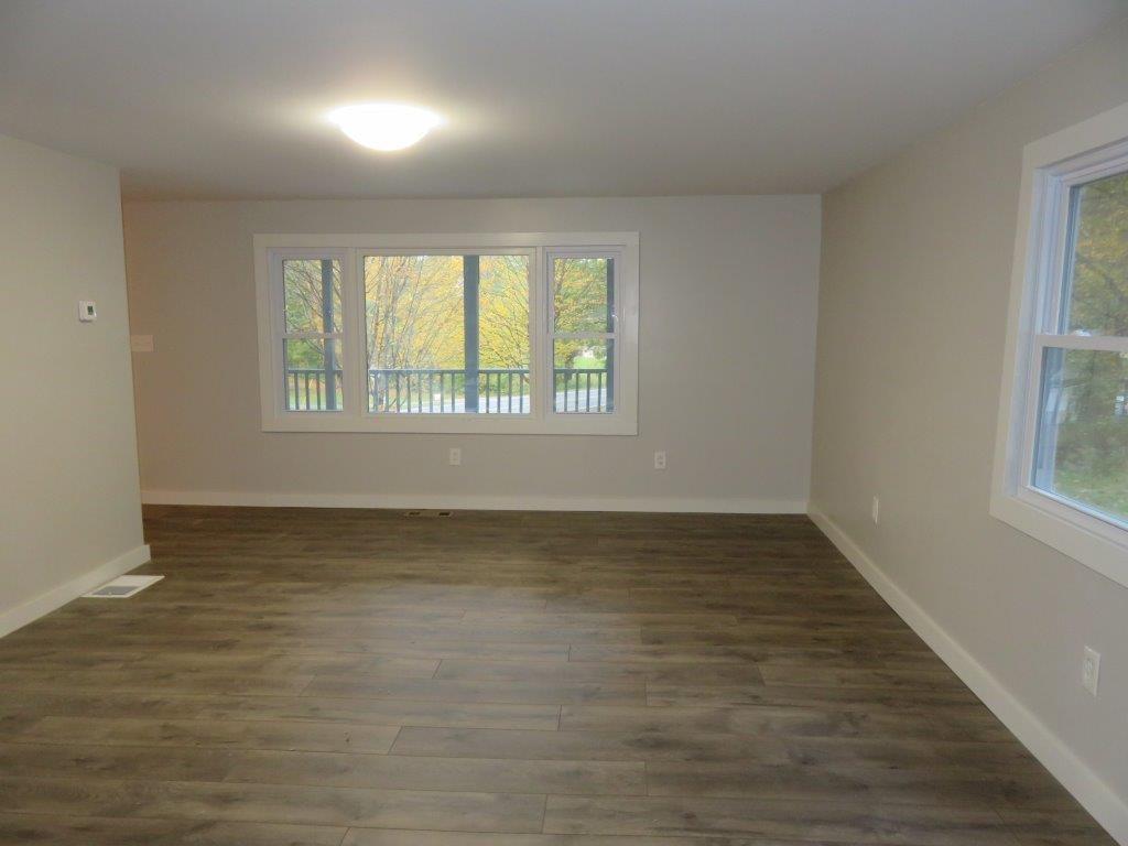 23x14 Living Room 12800214