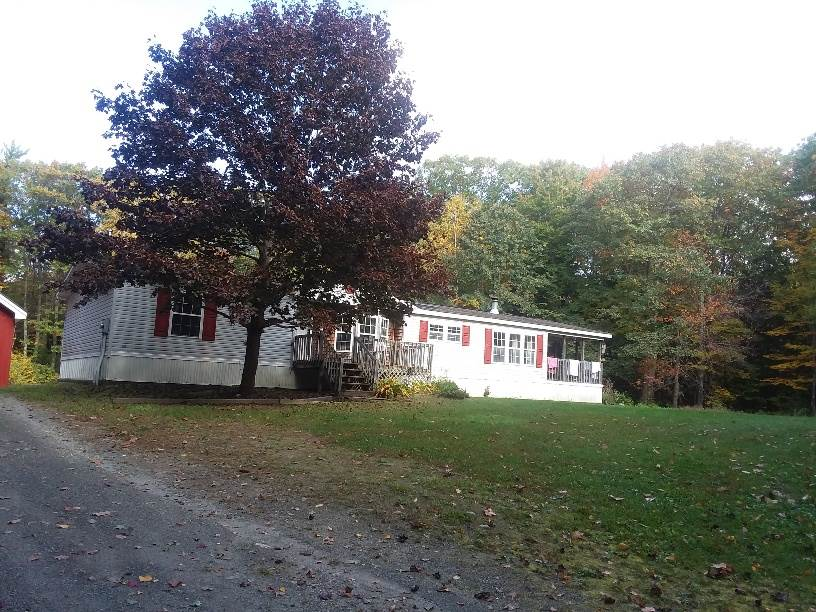 CHARLESTOWN NHMobile-Manufacured Home for sale $$129,000 | $83 per sq.ft.
