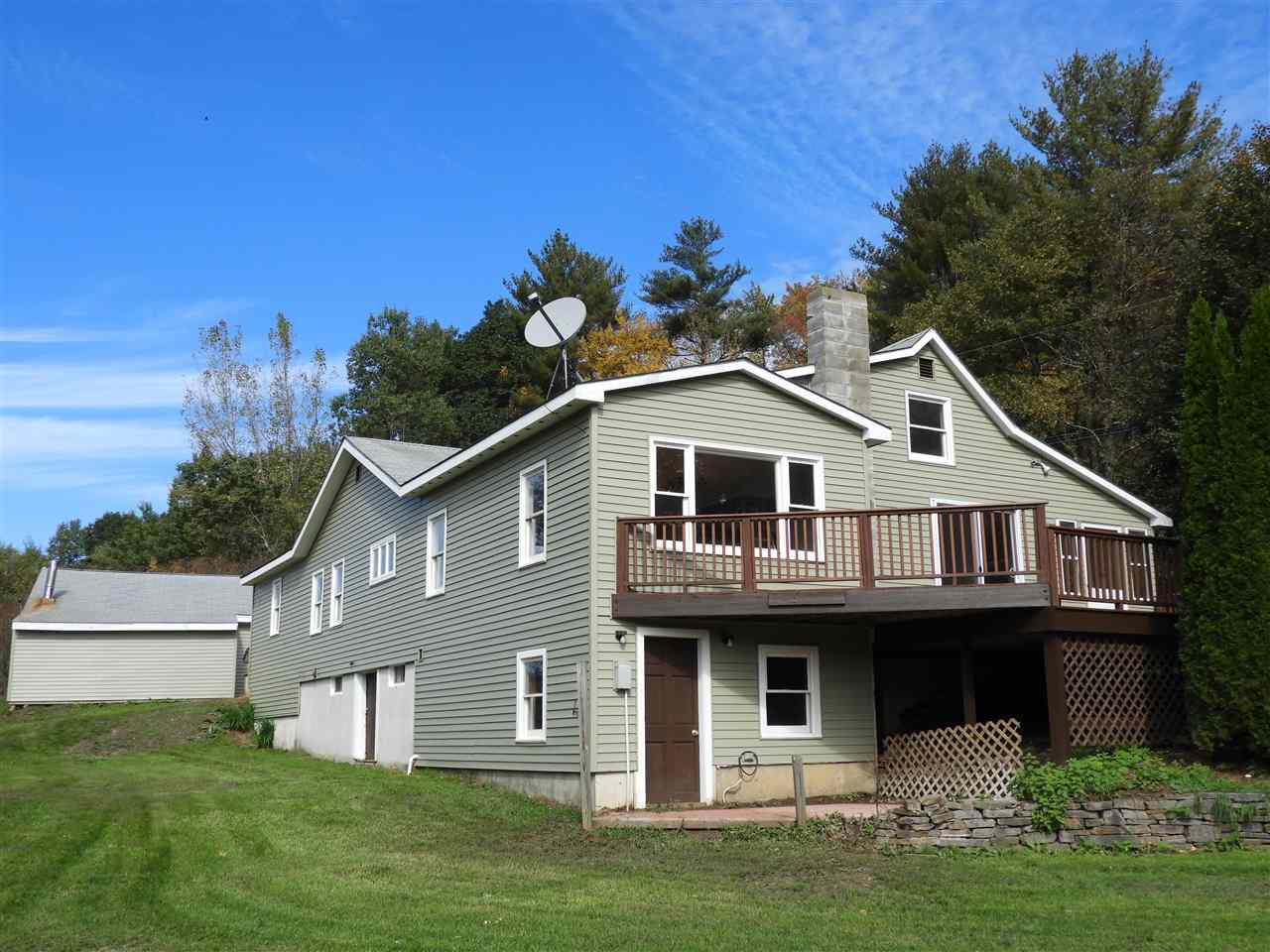 MLS 4723581: 13 Russell Road, Langdon NH