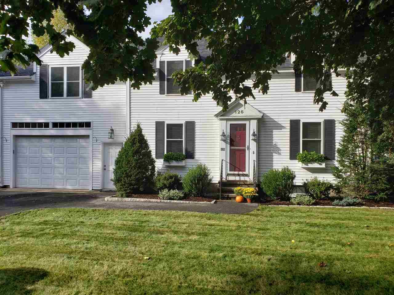 NASHUA NH Duplex for rent $Duplex For Lease: $1,800 with Lease Term