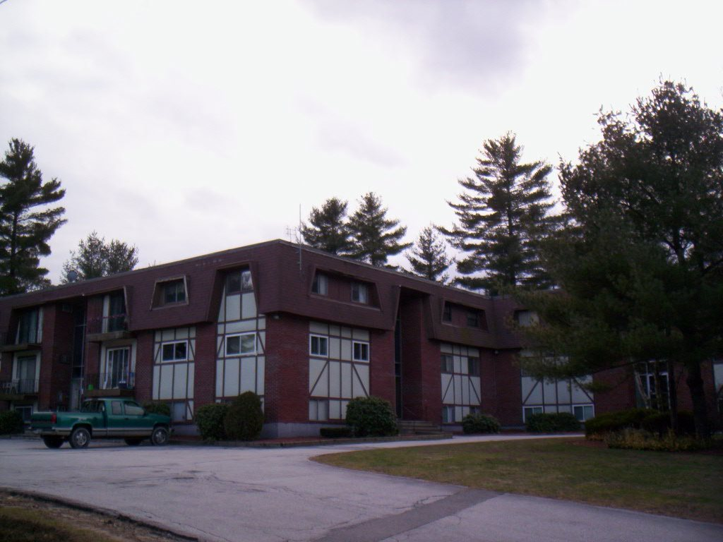 Londonderry NH Condo for sale $List Price is $144,900