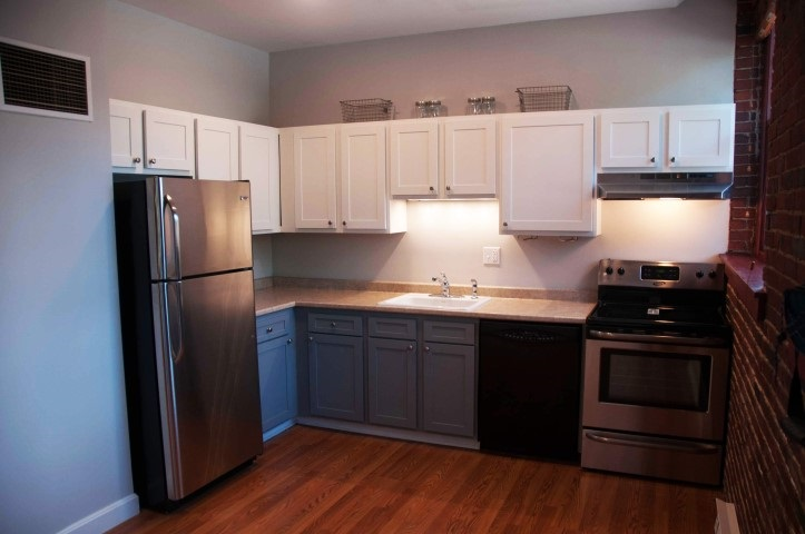 Manchester NH Condo for sale $List Price is $105,000