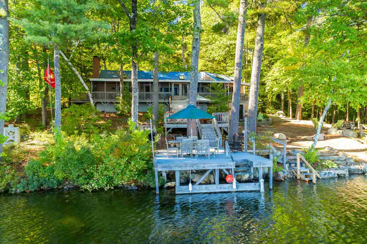 Lake Kingswood Lake waterfront home for sale in Brookfield