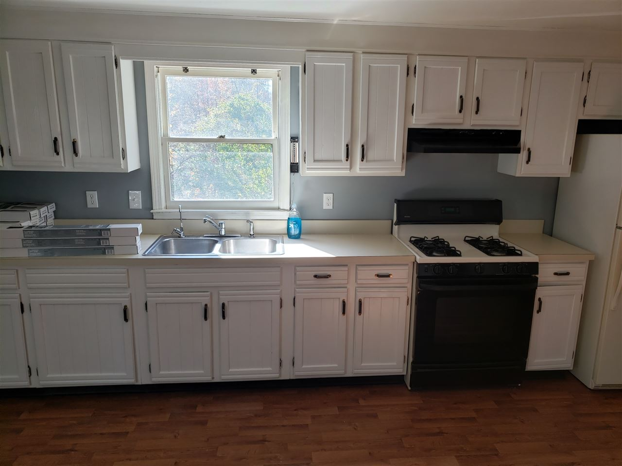HUDSON NH Duplex for rent $Duplex For Lease: $1,600 with Lease Term