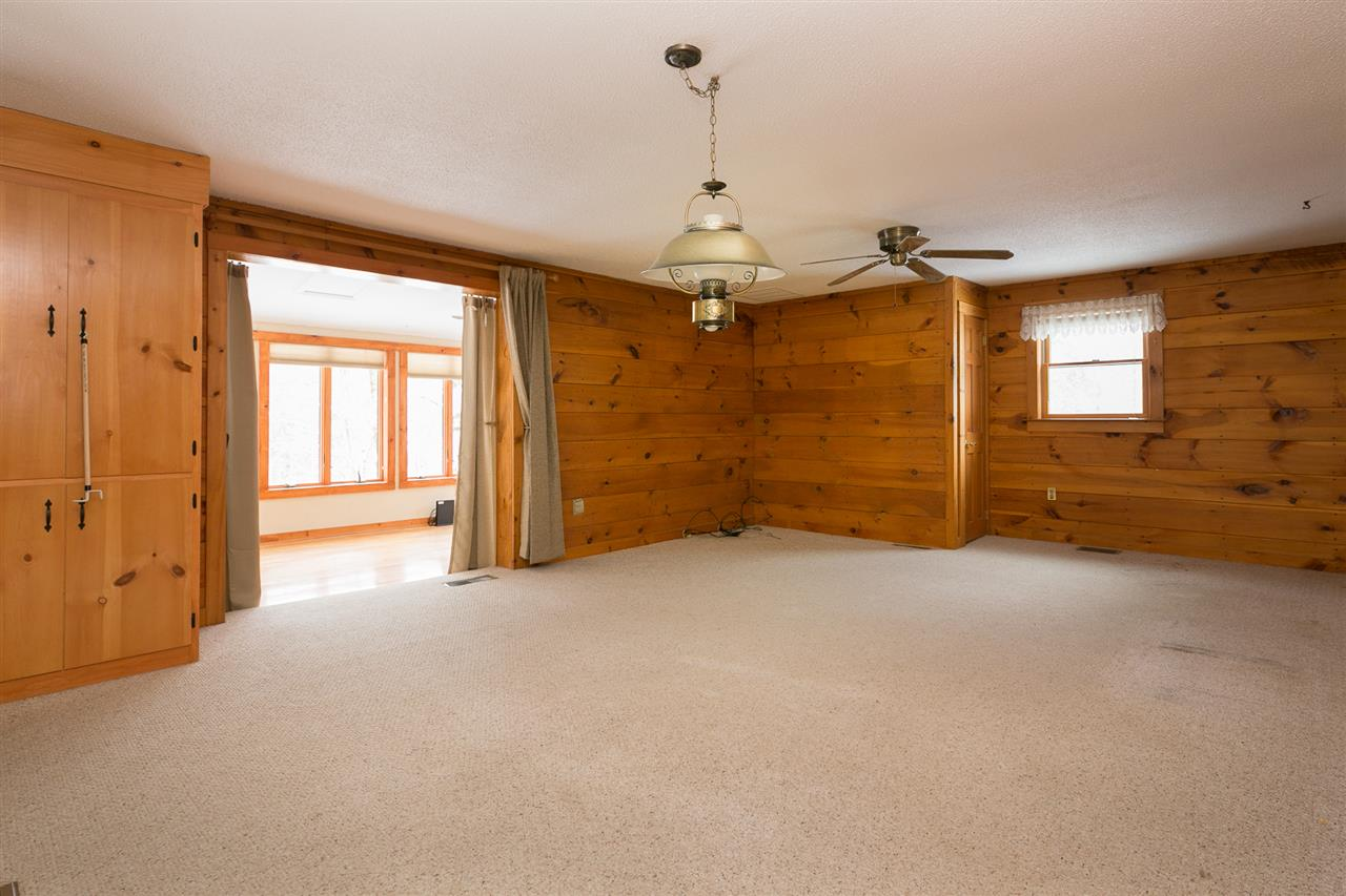 Living/Dining Area 12980186