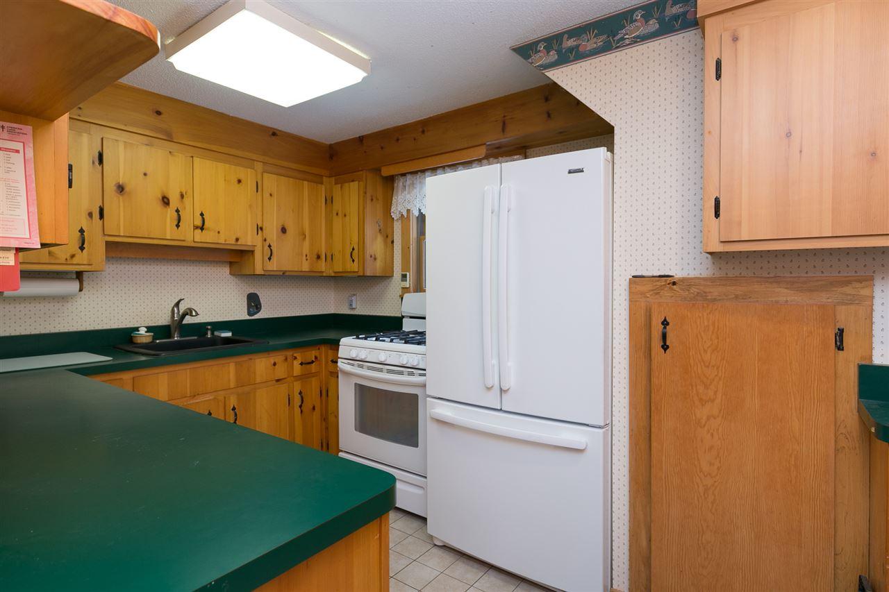 Kitchen 12980191