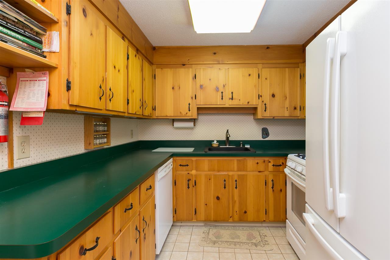 Kitchen 12980192