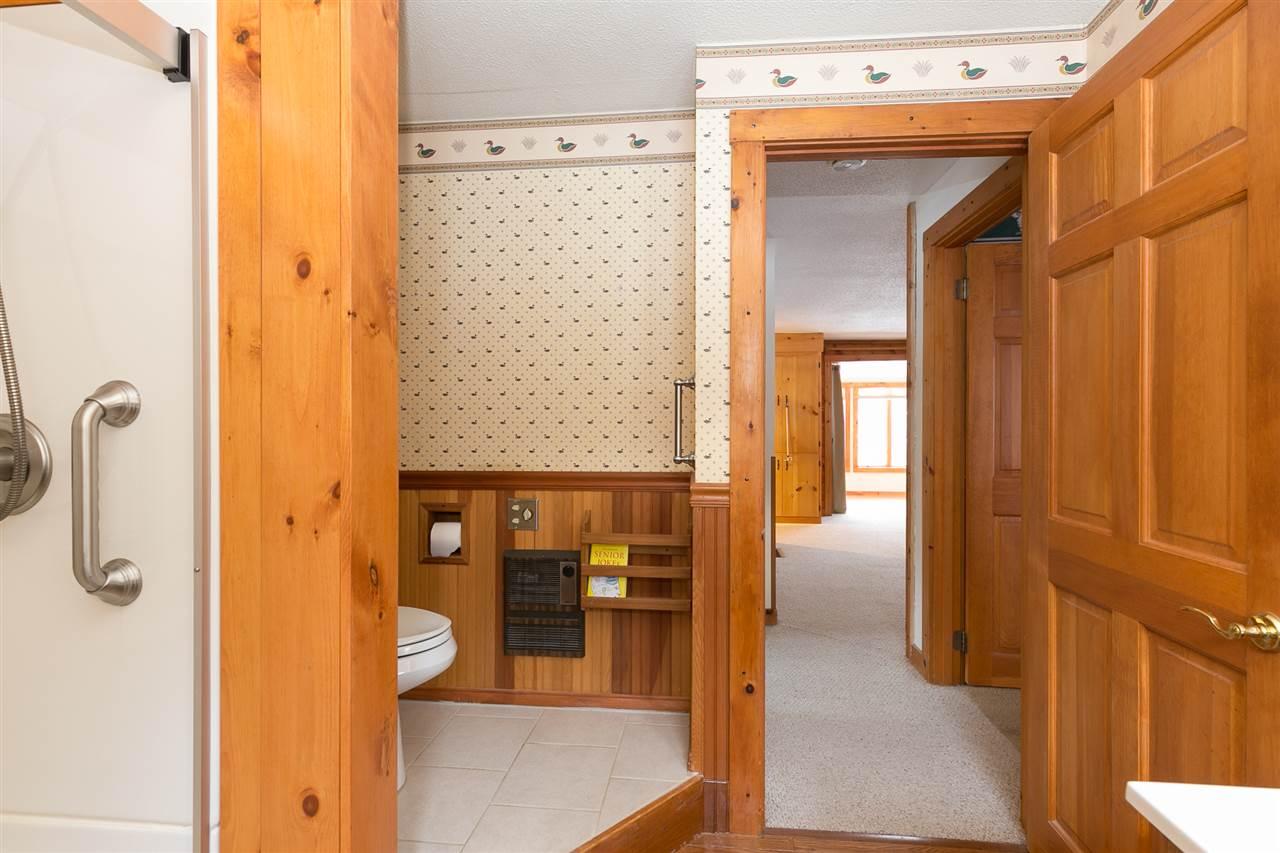 Bathroom 12980201