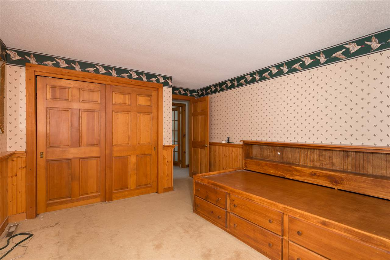 Bedroom 12980202