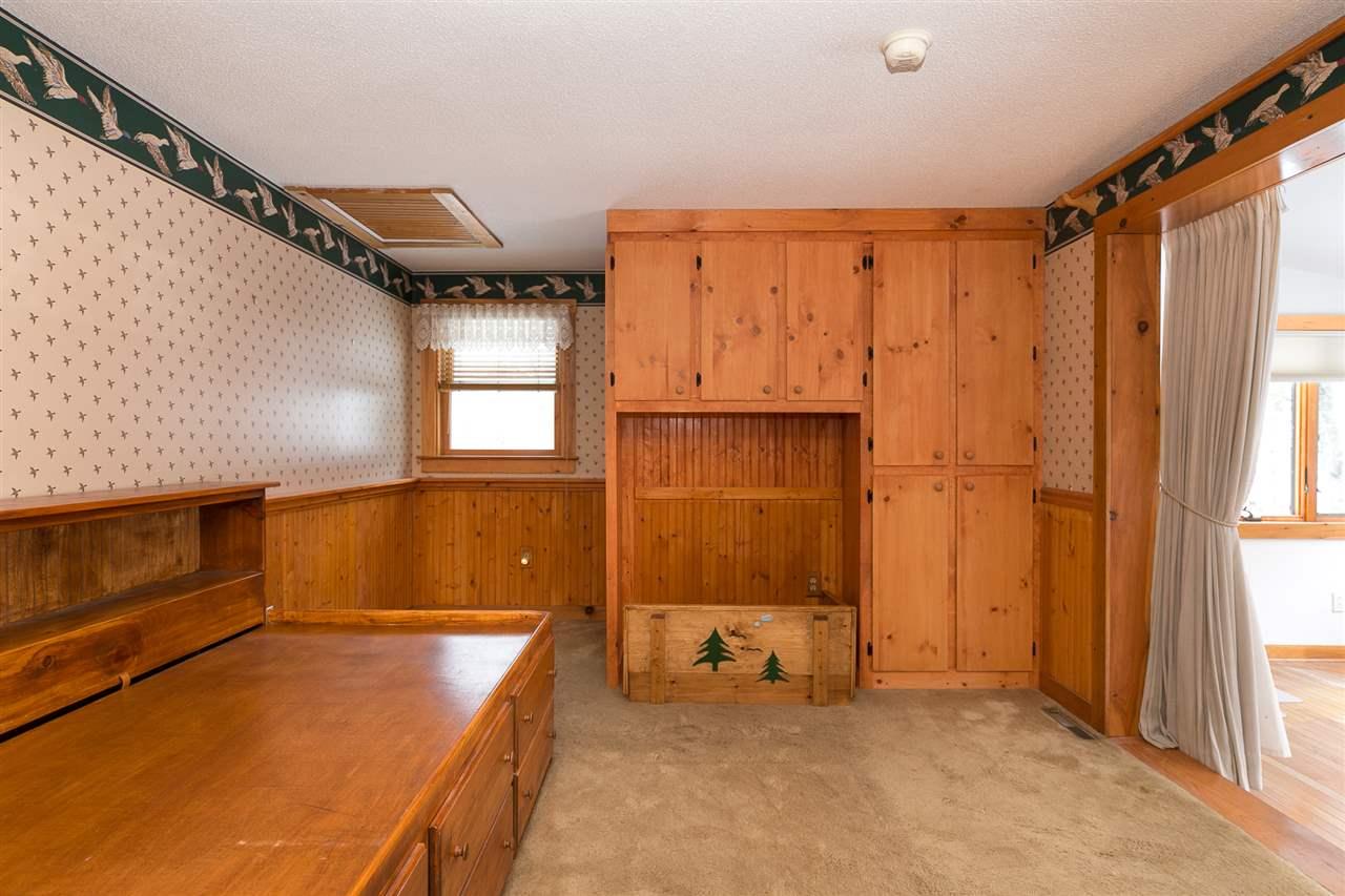 Bedroom 12980203