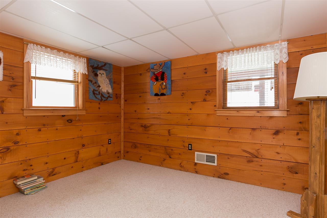 Bedroom 12980176