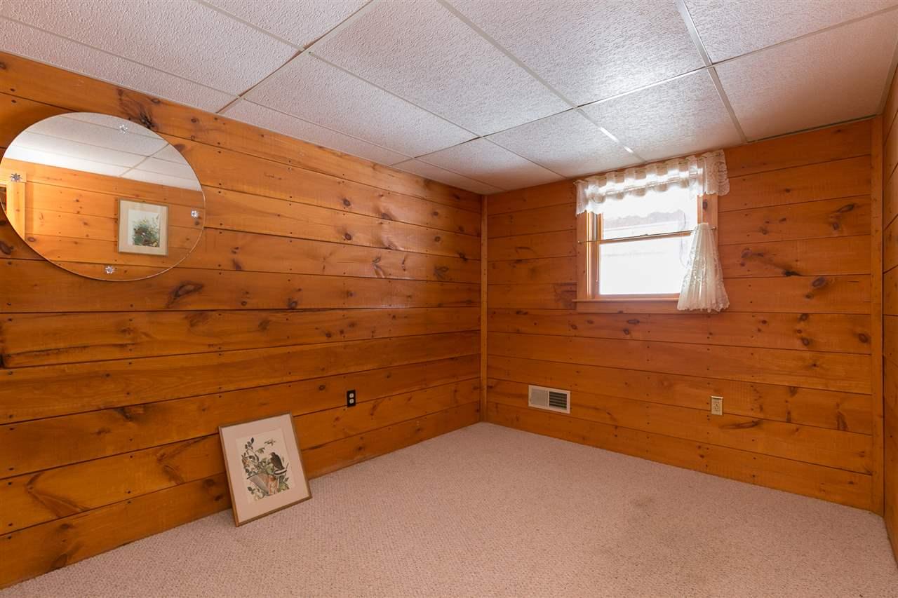 Bedroom 12980177