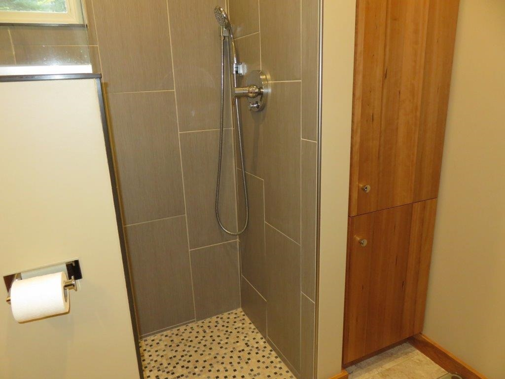 Walk In Tile Shower 12868598