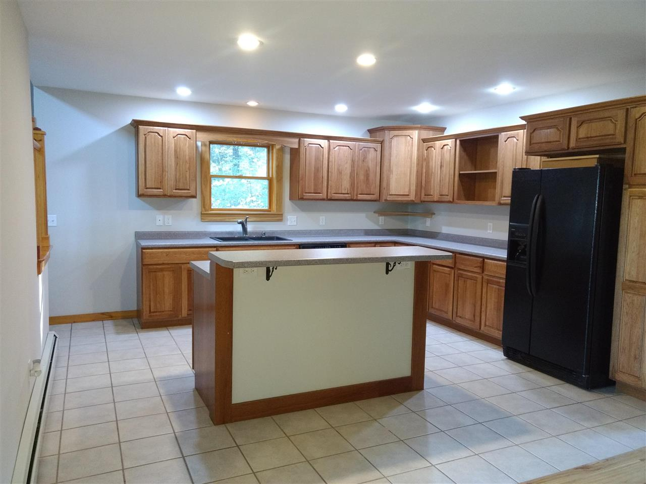 Kitchen to Dining Room 12883786