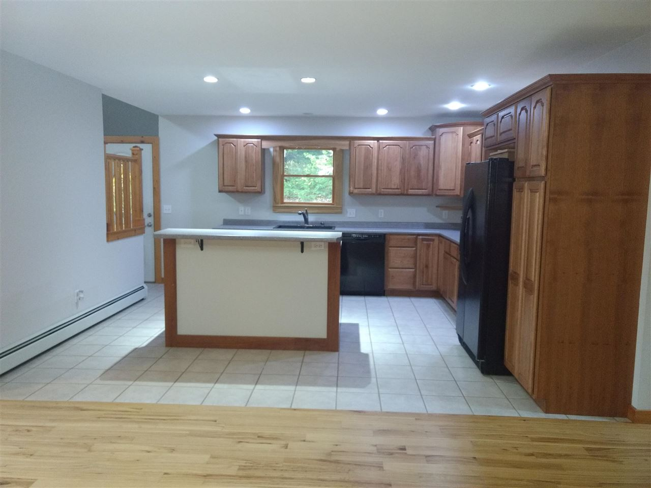 Dining Room to Kitchen 12883783