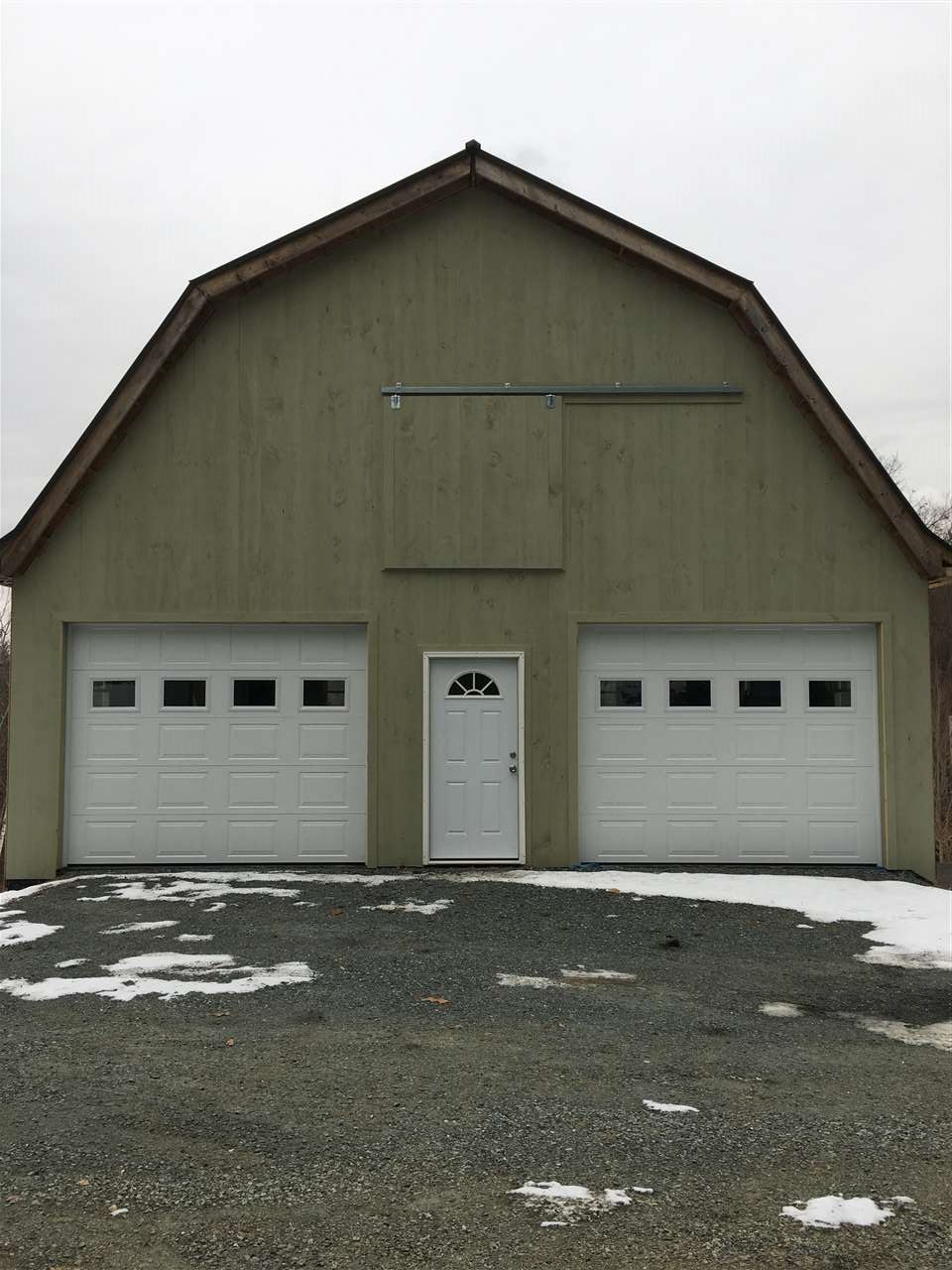 Two Story Garage 13015534