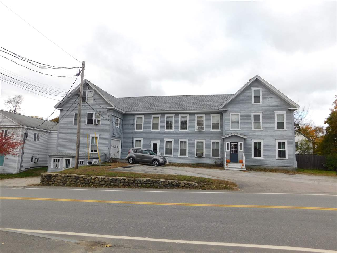 Photo of 8 Pleasant Street Goffstown NH 03045