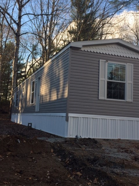 Raymond NH Mobile-Manufacured Home for sale $List Price is $80,000