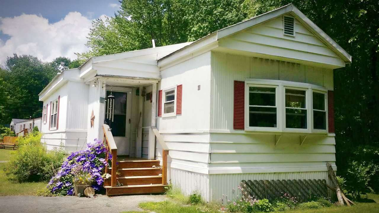 Sandown NH Mobile-Manufacured Home for sale $List Price is $149,900