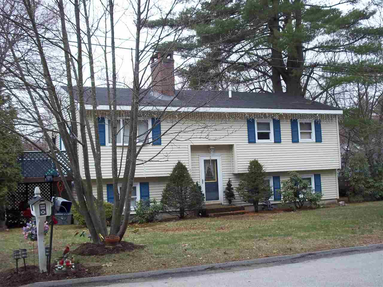 MANCHESTER NH Home for sale $$265,000 | $267 per sq.ft.