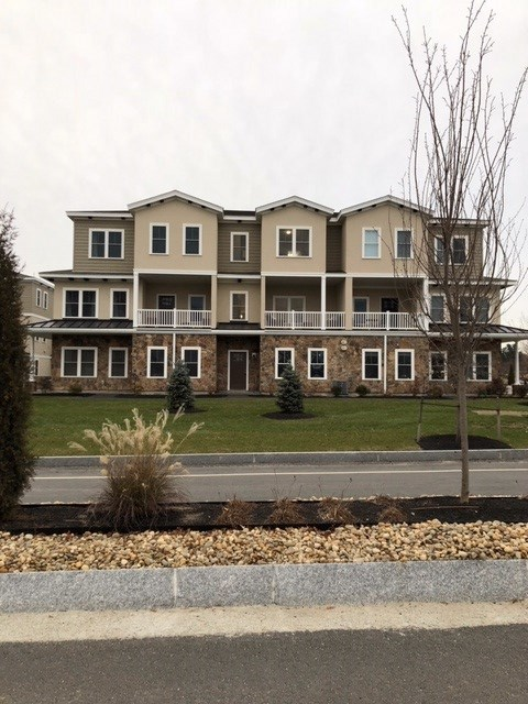 Salem NHCondo for sale $List Price is $439,900