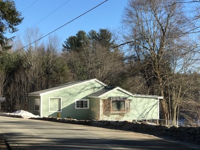 MLS 4729071: 104 Oxbow Road, Hinsdale NH