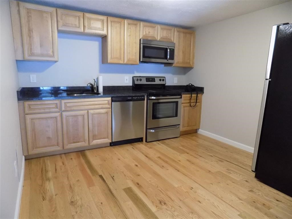 DERRY NHApartment for rent $Apartment For Lease: $1,400 with Lease Term