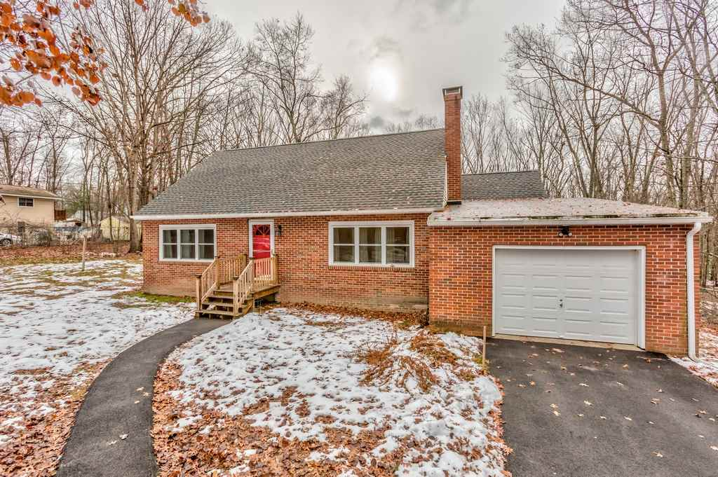 Amherst NHHome for sale $List Price is $289,900