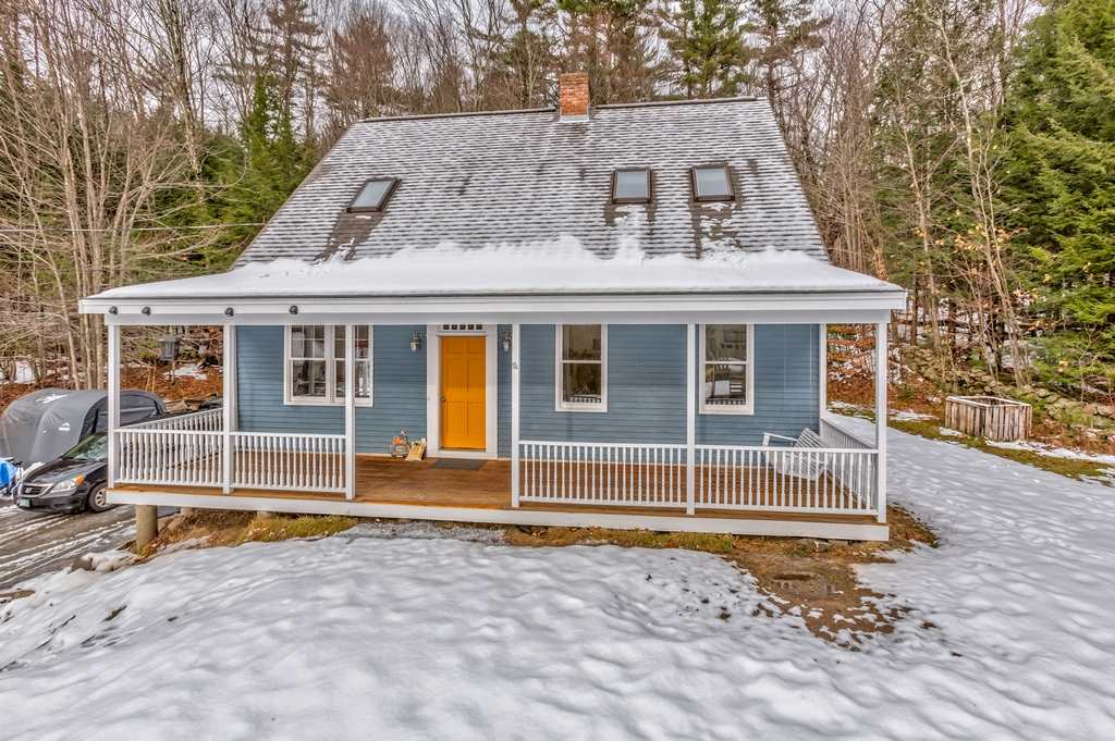 Mont Vernon NHHome for sale $List Price is $275,000
