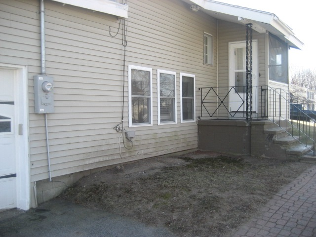 Hudson NHHome for sale $List Price is $235,000